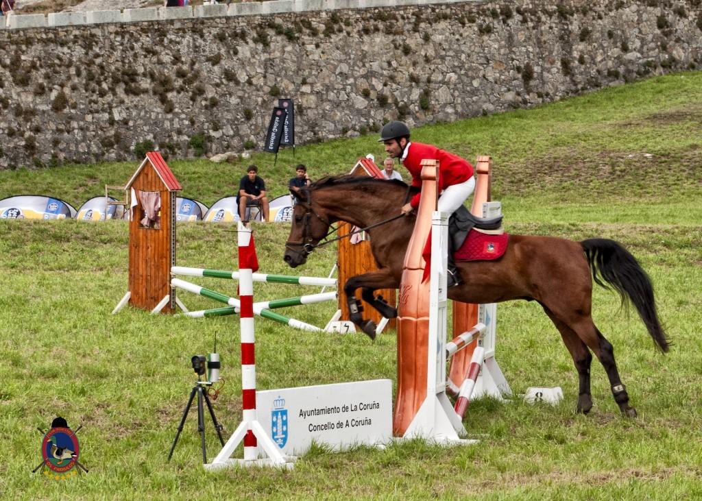 Torre De Hercules_clases de equitación_Os Parrulos_hípica La Coruña_montar a caballo_Pedro Vale.1