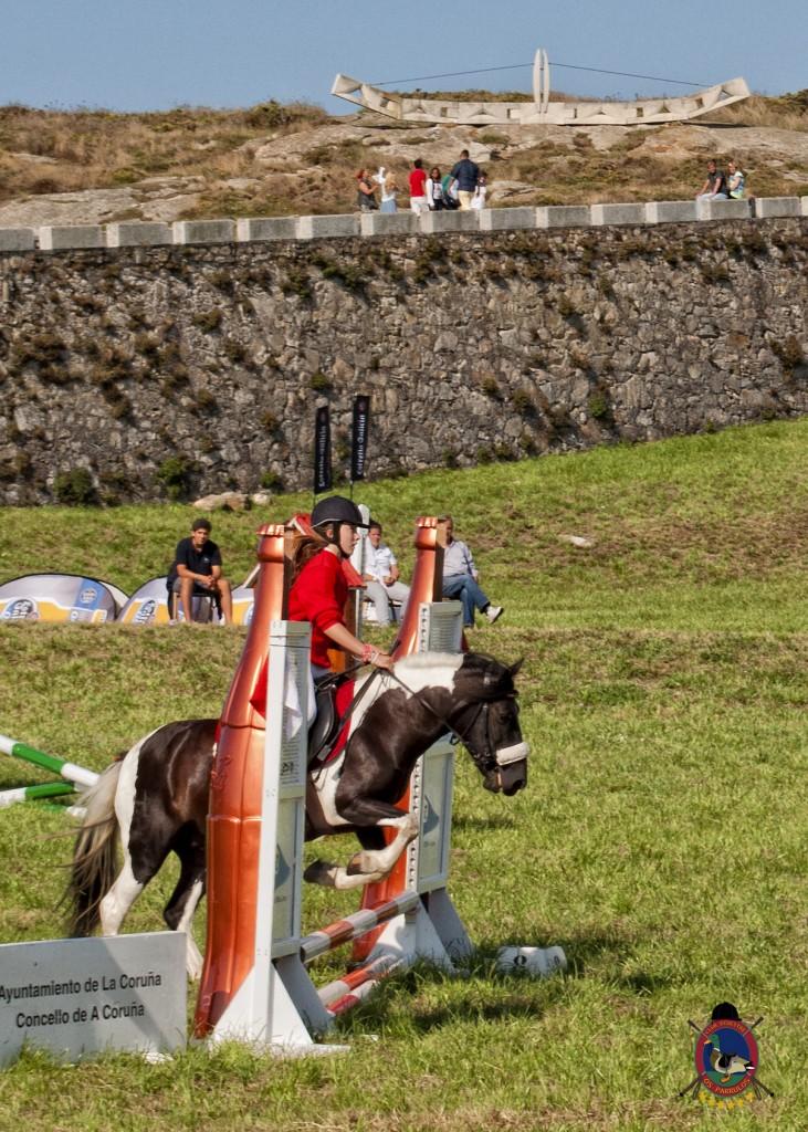 Torre De Hercules_clases de equitación_Os Parrulos_montar a caballo.1