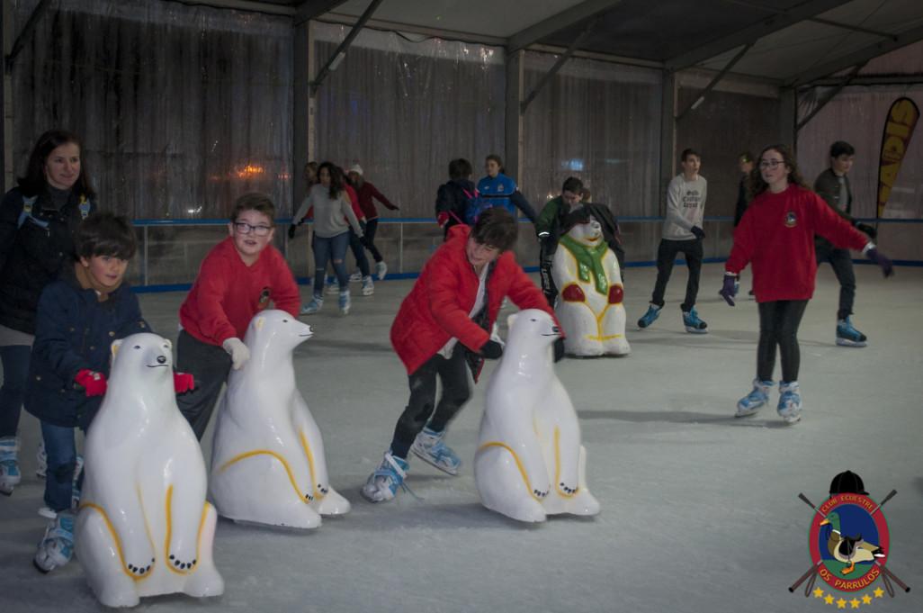 Os Parrulos_patinaje sobre hielo_35